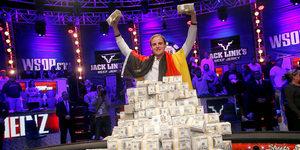 Выигрывать в покер